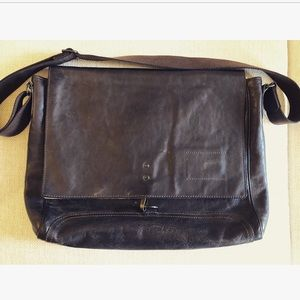 Banana Republic Bags - Men s Banana Republic Leather Messenger Bag 3a3fee2671